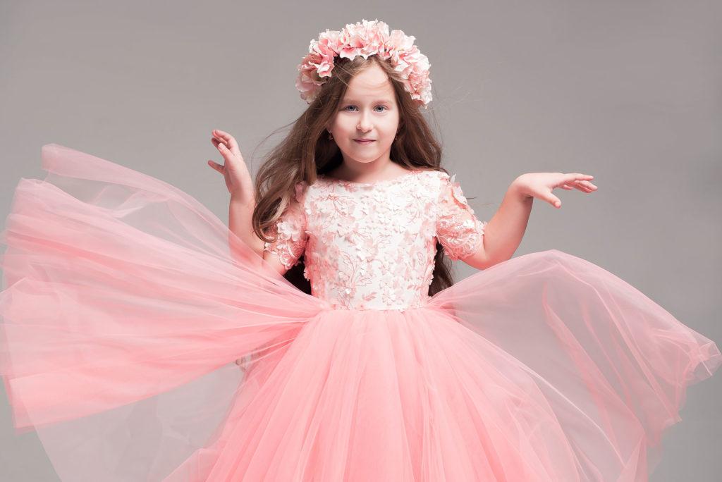 Детская модельная школа @happykids_stv Платья @mayamotya